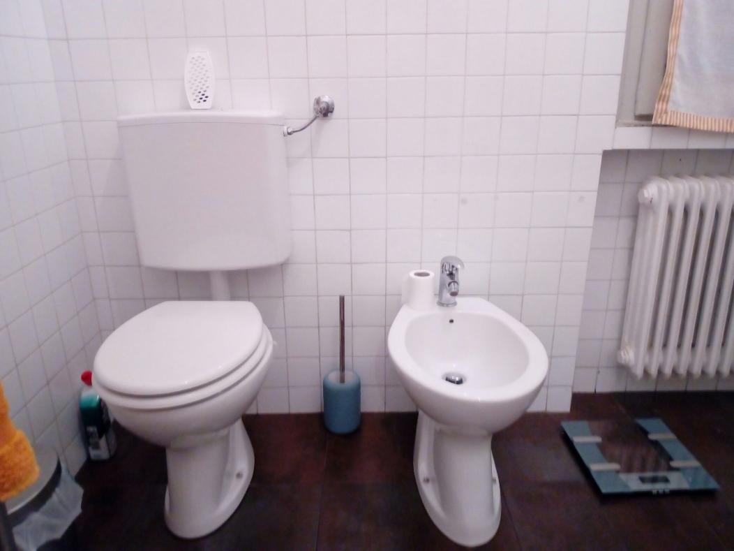 Questa immagine ha l'attributo alt vuoto; il nome del file è bagno2.png